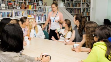 Library Discussion Group